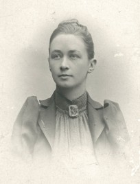 Portait of Hilma af Klint. Photographer unknown