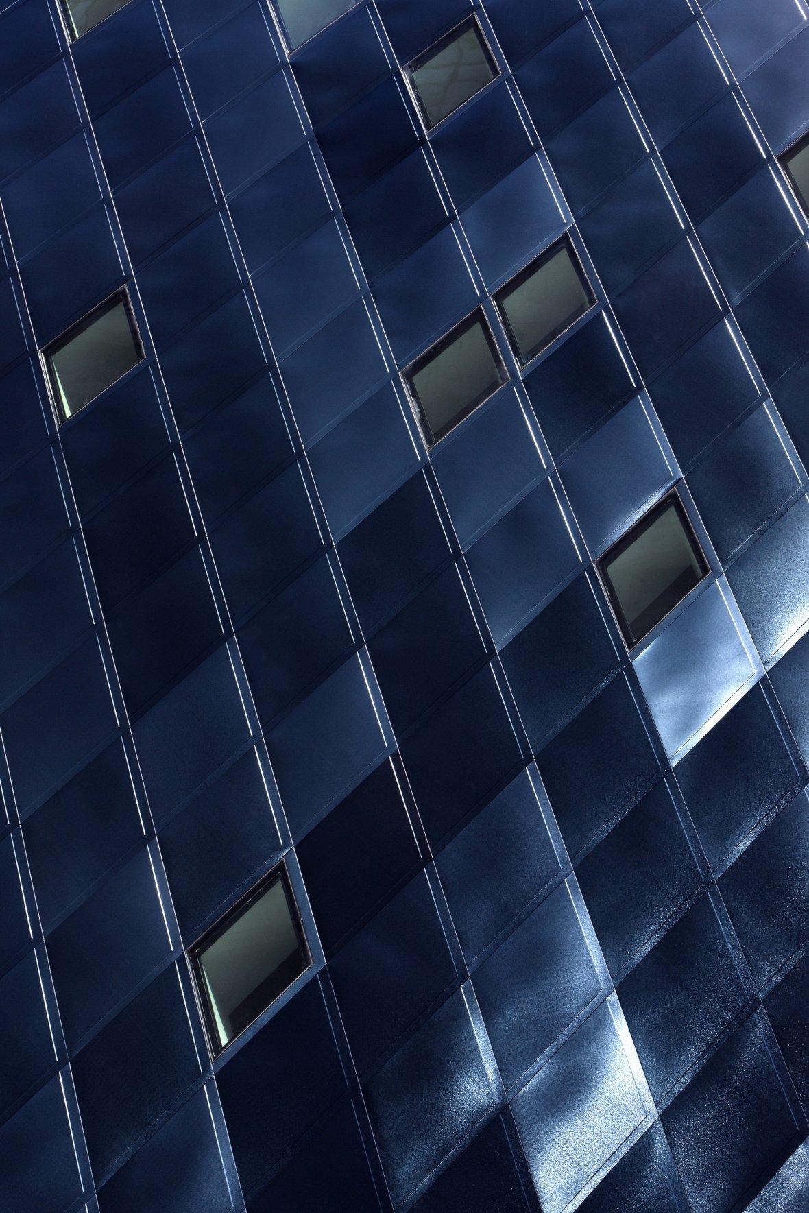detail-of-blue-steel-cladding-c-bitterbredt-2280x3419