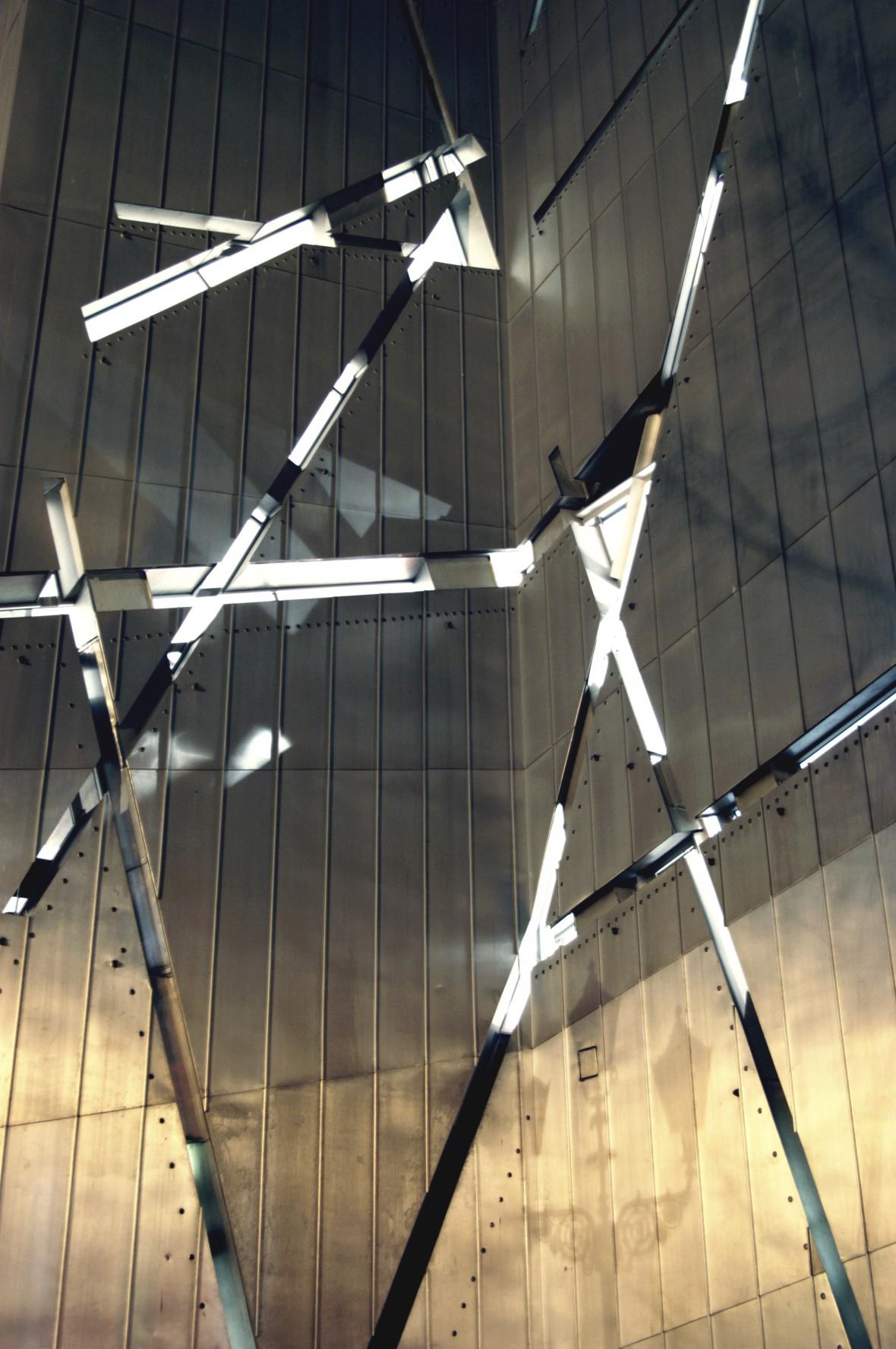 exterior-star-of-david-matrix-window-cuts-c-michele-nastasi-2280x3432