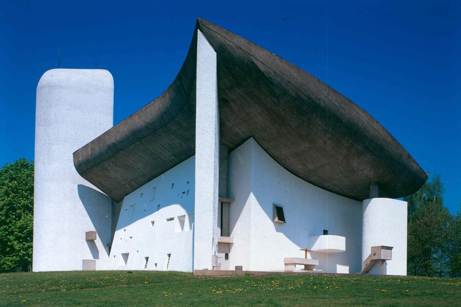 Notre-Dame-du-Haut_Ronchamp-France_Le-Corbusier_UNESCO_Paul-Koslowsky_dezeen_936_0-1